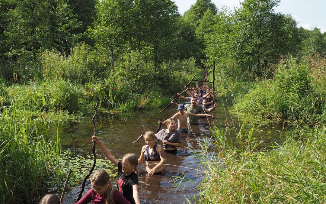 """""""Gamtos reindžeriai"""" Panemunių regioniniame parke susipažino su """"Natura 2000"""" teritorijomis"""